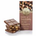 Mléčná čokoláda s celými lískovými oříšky 100g