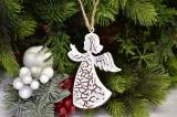 Anděl na zavěšení bílo-měděný 9,5 cm
