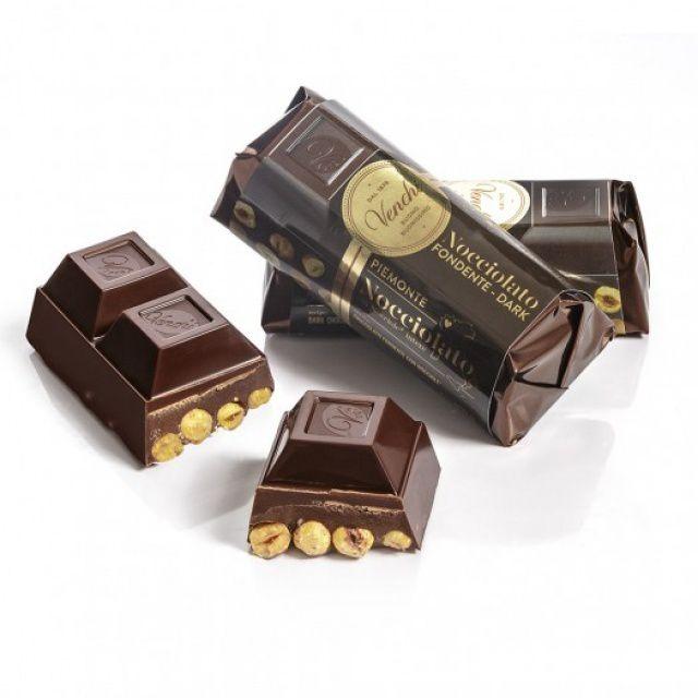 Venchi Hořká čokoládová cihlička s lískovými oříšky