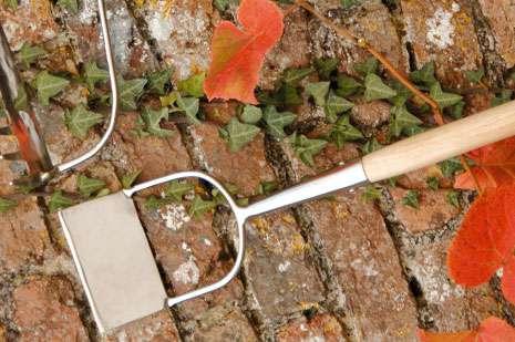 Burgon&Ball Holandský nerezový provzdušňovač půdy, odstraňovač plevele
