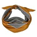 Plisovaný šátek Brigitte 70 x 70 cm