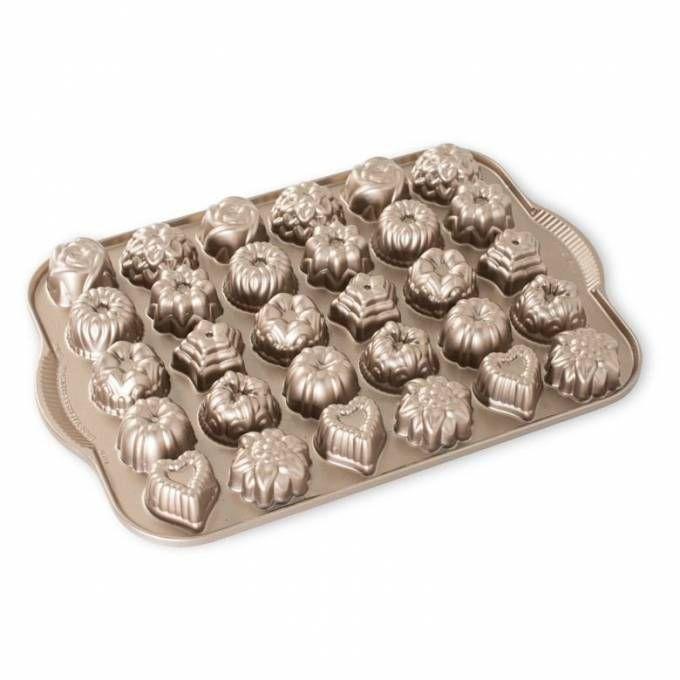 Nordic Ware Forma na vánoční cukroví, čokoládu, měděná , 30 formiček