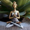 YOGA LADY MEDITATION - bronzová & stříbrná