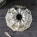 Nordic Ware Forma na bábovku Cathedral stříbrná