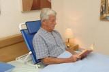 Opěradlo pod záda, nastavitelná podpora při sezení v posteli